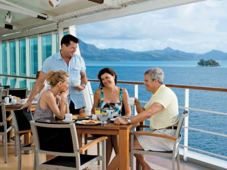 dining-on-deck-paul-gauguin