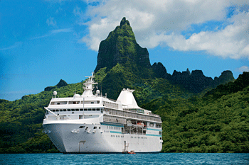 cruise-ship-bora-bora