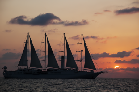 windstar-cruise-at-sunset