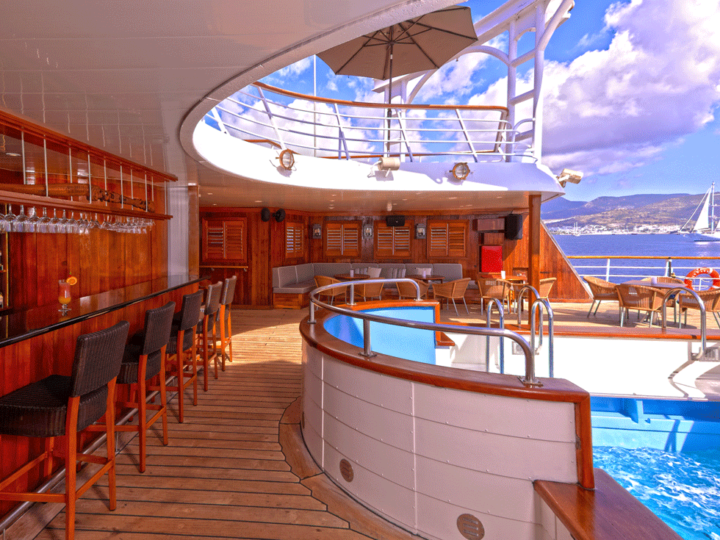 windstar-cruise-pool