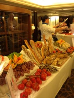 cruise-dinner-spanish-jamon-y-pan