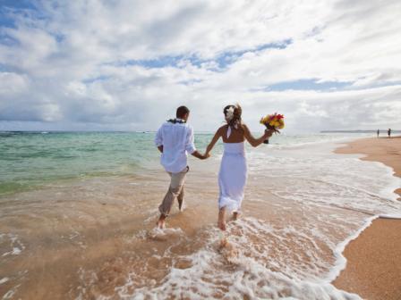 bride-groom-beach-kauai